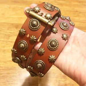 Boho brown leather belt brass rock studs detail. M